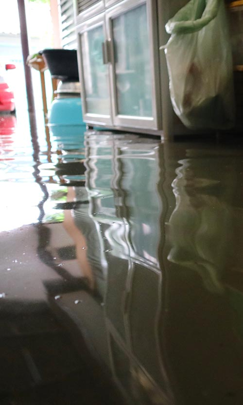 water damage and water extraction services in akron arbor ridge construction